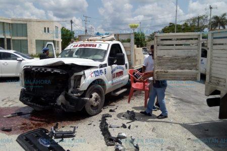 Chocan imprudencia y temeridad en la carretera a Dzityá
