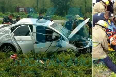 Conductora lesionada al fallar su auto, se le rompe el eje