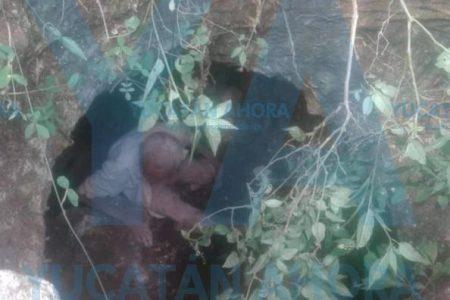 Encuentran a abuelito de 85 años acurrucado en una cueva