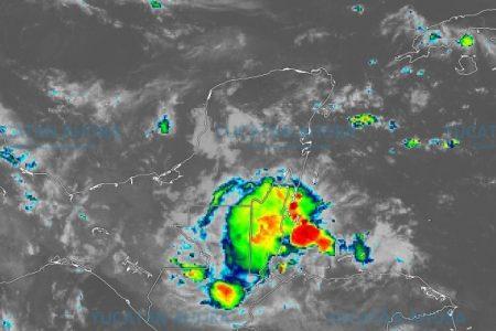 Prepárate para más lluvias: hay un vórtice sobre Yucatán