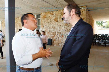 Escritor Juan Villoro felicita al alcalde Renán Barrera por impulsar la lectura