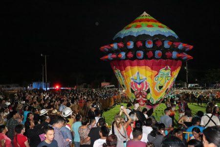 Festival Globo Maya de Tahmek llena el cielo de luz y color