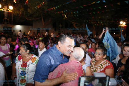 En Mérida los ciudadanos toman las decisiones: Renán Barrera
