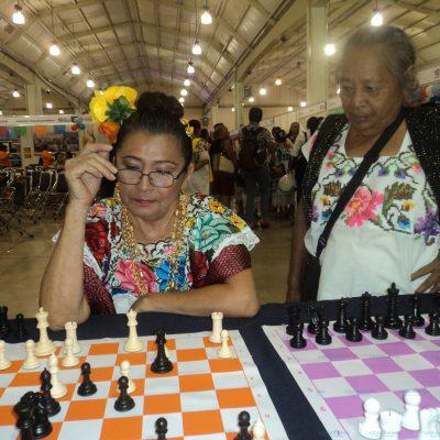 Abuelos combatientes y maestros de ajedrez