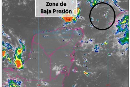 Vigilan zona de baja presión al norte de la Península de Yucatán