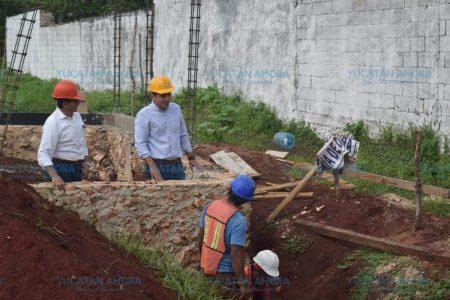 Supervisan obras del centro del adulto mayor en Tekax