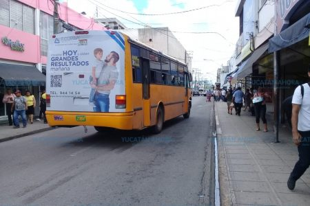 Liberan de ambulantes tramo de atestada calle en el centro de Mérida