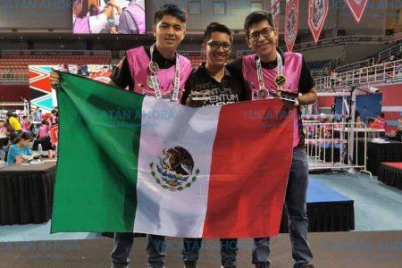 Estudiantes mexicanos triunfan en concurso de robótica en China