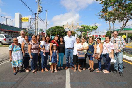 Renán Barrera entrega obras que benefician a 30 mil meridanos