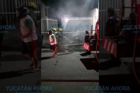 Se incendia en Progreso una camioneta 'salada'