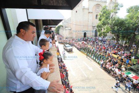 Cinco mil participantes en el desfile de la Independencia en Mérida