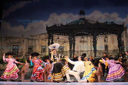Espectáculo patriótico, dentro del Miércoles de Gala Yucateca
