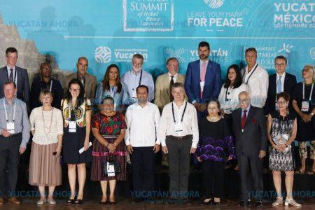 Mauricio Vila recibe a Yucatán a laureados con el Premio Nobel de la Paz