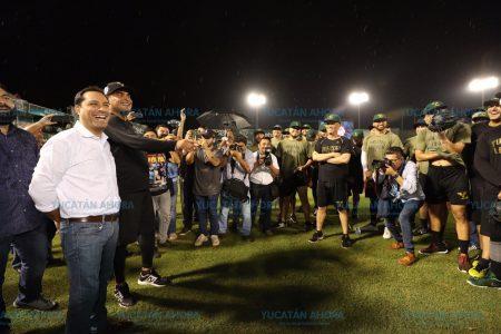 Mauricio Vila reitera a Leones de Yucatán el apoyo de la afición yucateca