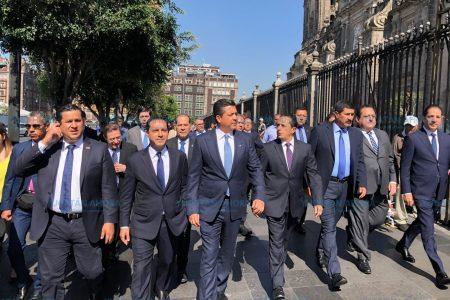 Mauricio Vila asiste al Informe del presidente Andrés Manuel López Obrador