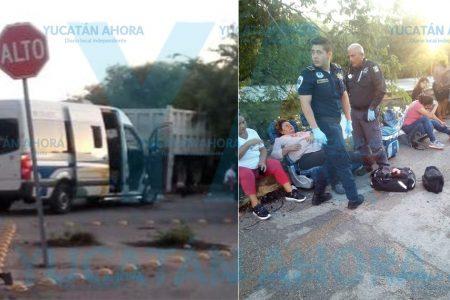 Choque entre camioneta de pasaje y volquete deja ocho heridos