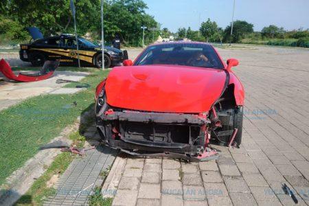 'Lujosa' distracción: choca con su Ferrari en Altabrisa