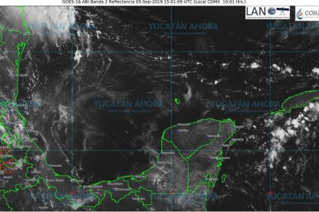 Mucho calor y onda tropical al sur de Yucatán podría dejar lluvias