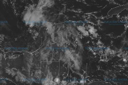 Bajas presiones siguen generando humedad en Yucatán