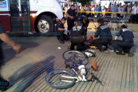 Autobús atropella a un abuelito frente al parque Eulogio Rosado