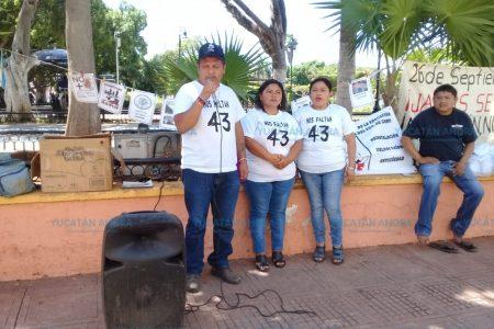 Aseguran que el gobierno 'aún oculta muchas cosas' de Ayotzinapa