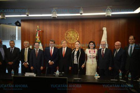 Ivonne Ortega coquetea con el Movimiento Naranja