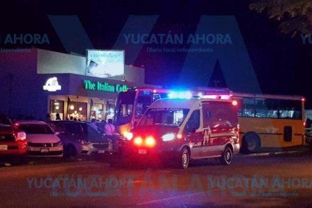 Le da bajón de azúcar y causa aparatoso accidente en Francisco de Montejo