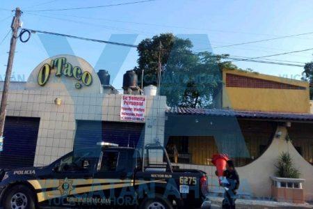 Mañanero incendio en conocida taquería de Santa Rosa