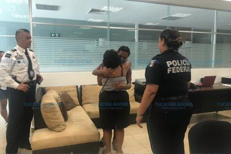 Localizan en el aeropuerto de Mérida a joven desaparecido en Ticul
