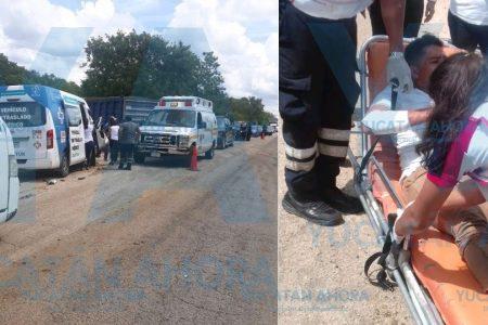 Regidor lesionado en choque de ambulancia de traslado