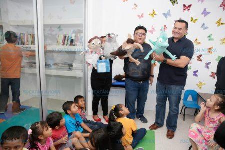 Renán Barrera entrega nuevo espacio para lectura y recreación