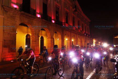 Palacio de Gobierno se ilumina de rosado para alertar sobre el cáncer
