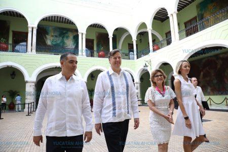 Mauricio Vila se reúne en Mérida con el embajador de Estados Unidos