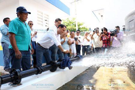 Mauricio Vila entrega obras carreteras y apoyos en el sur de Yucatán