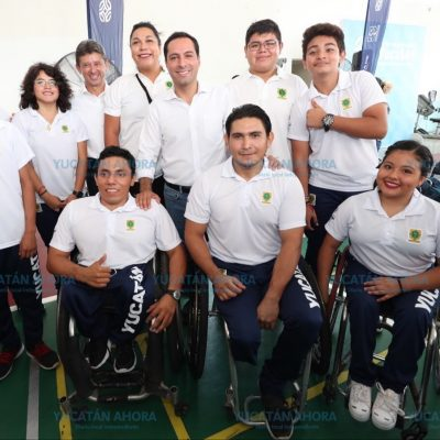 Mauricio Vila abandera delegación que participa en Paralimpiada Nacional