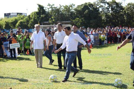 Mauricio Vila inaugura la Liga de Fútbol 'Álvaro García Aguilar'