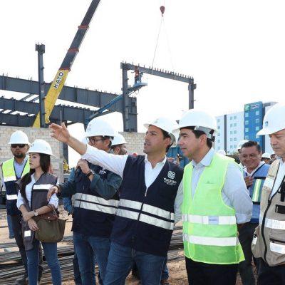 Mauricio Vila supervisa la ampliación del Siglo XXI
