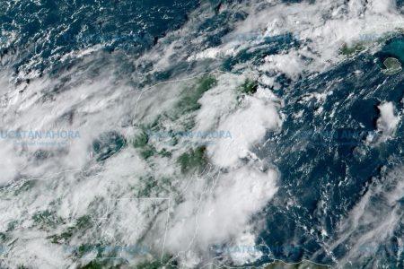 Norte choca con baja presión en la Península de Yucatán: mucha lluvia
