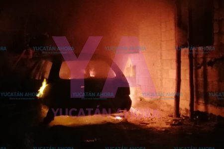 Madrugada de pesadilla: se le quema su auto