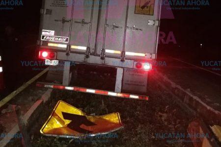 Trailero 'cazafantasmas' en la carretera Mérida-Campeche