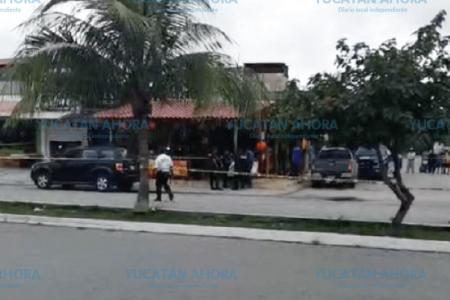 Muere yucateco en ataque del crimen contra taquería en Playa del Carmen