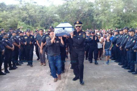 Sepultan con honores a policía fallecido en trágico accidente