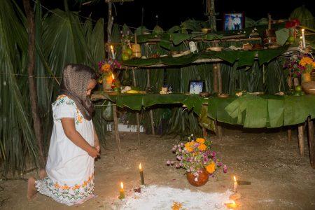 Paso de las ánimas con tradición y nostalgia en Kinchil