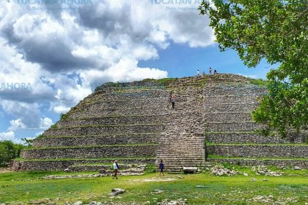 Por restauración cierran la pirámide de Kinich Kakmó en Izamal