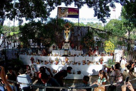 Altar del Ayuntamiento, inspirado en la cosmogonía maya