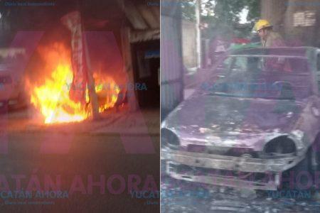 Joven hojalatero incendia el auto de una cliente