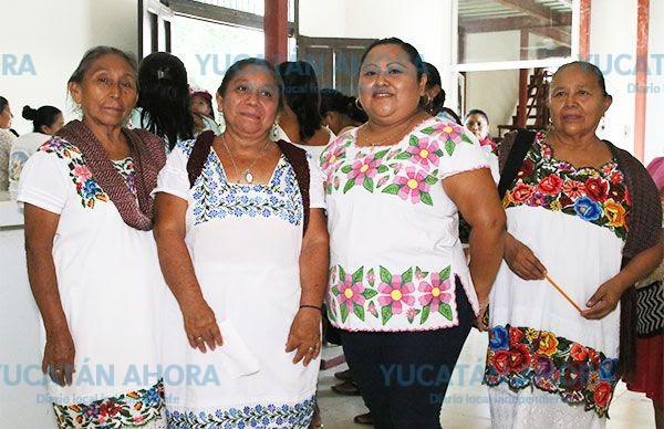 Casa de la cultura antorchista rescata el bordado ancestral de Yucatán