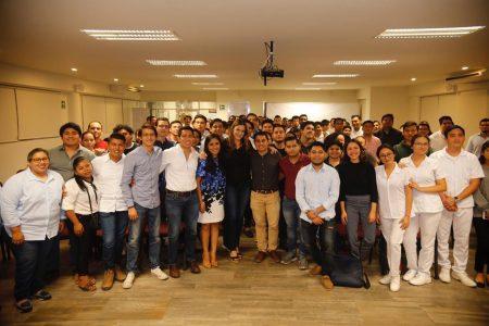 Cecilia Patrón recaba iniciativas de jóvenes a favor del medio ambiente