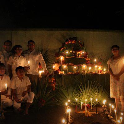 Orgullo y arraigo en muestra de Janal Pixán del Conalep Yucatán