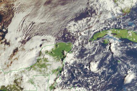 Esperan más lluvias por el frente frío 8: apenas se está internando a Yucatán